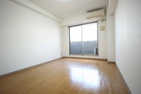 https://image.rentersnet.jp/5ea7a5cf-ec84-426d-a25a-0044e249237a_property_picture_1992_large.jpg_cap_居室