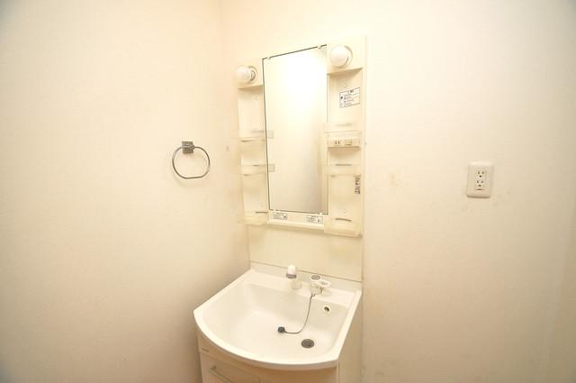 ソレジオ武村V S 人気の独立洗面所はゆったりと余裕のある広さです。