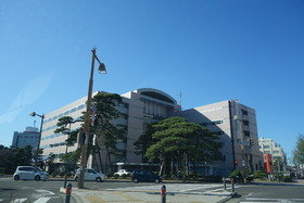https://image.rentersnet.jp/5ec6af5e253829b071d1d1332db65a6f_property_picture_2871_large.jpg_cap_新潟市役所