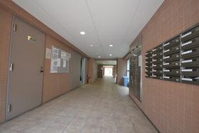 六本木駅 徒歩9分エントランス