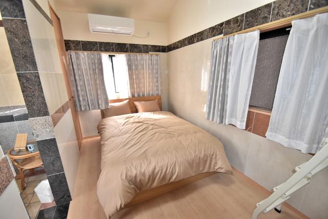 高井田元町2-11-15貸家 明るいお部屋はゆったりとしていて、心地よい空間です