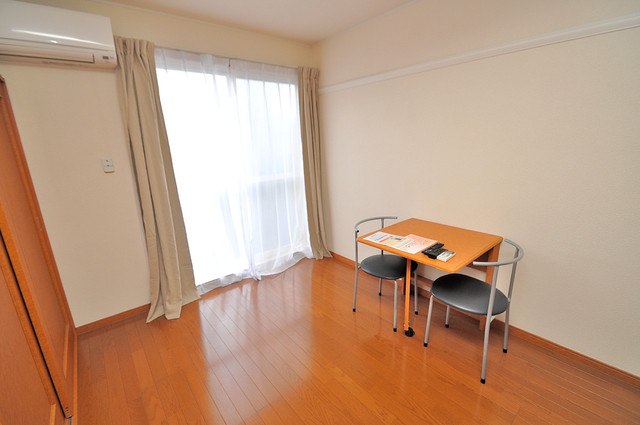 レオパレススズラン 明るいお部屋はゆったりとしていて、心地よい空間です