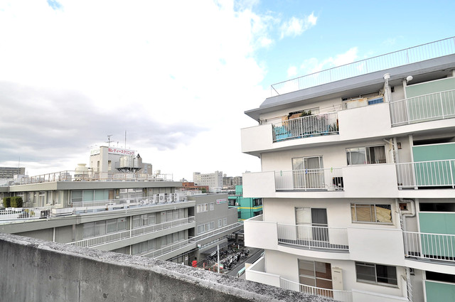 ルシード小阪 この見晴らしが日当たりのイイお部屋を作ってます。