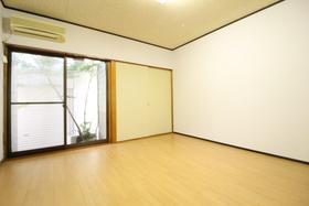 https://image.rentersnet.jp/5f673fe6-b5c6-4bfe-aff3-d1b65d40e0a7_property_picture_958_large.jpg_cap_居室