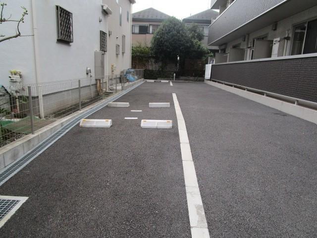 ファーストステージ小田急相模原駐車場