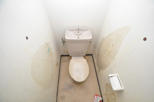カトル・セゾン スタンダードなトイレは清潔感があって、リラックス出来ます。