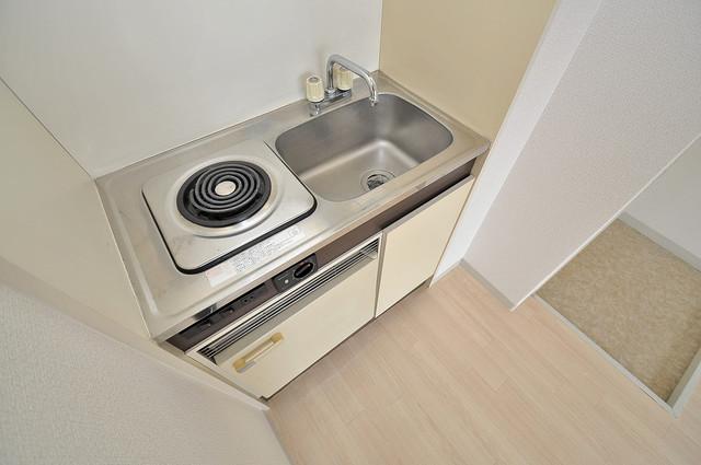 コシベ八戸ノ里 電気コンロ付きのキッチンはお手入れが楽チンですよ。
