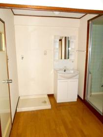 洗面スペース(洗面化粧台、洗濯機置場)