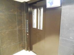 上階でもラクラクのエレベーター付き!