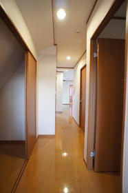 ターリー 301号室