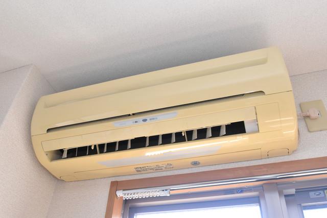 サンオークスマンション 最初からエアコンが付いているなんてお得ですね