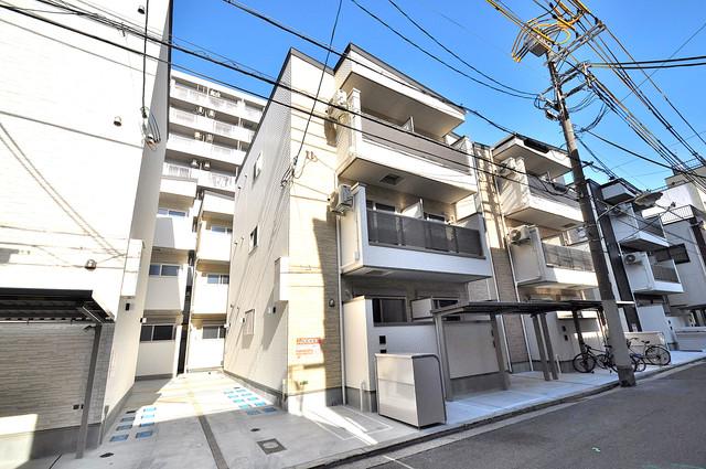 アクロス今里アパートメント 閑静な住宅地にある、落ちついた色合いのキレイな建物です。