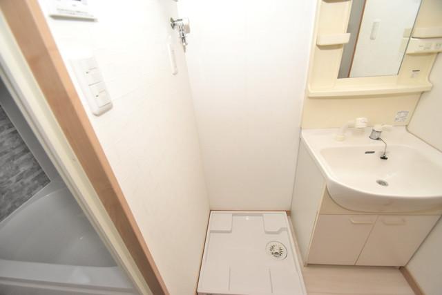 横沼町1-9-12 貸家 嬉しい室内洗濯機置場。これで洗濯機も長持ちしますね。