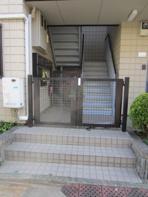 下北沢駅 徒歩1分エントランス