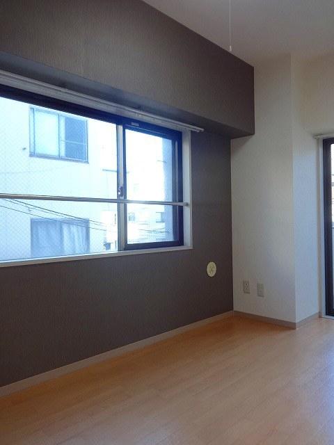 ドエル西横浜居室