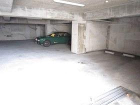 TAハウス駐車場