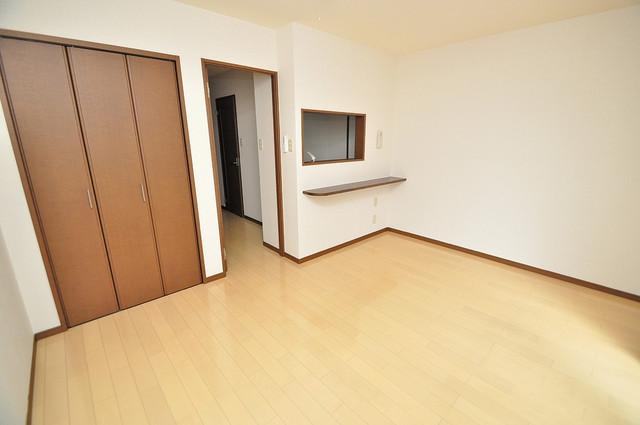 フジパレス フォンターナⅡ番館 広めのリビングはゆったりくつろげる癒しの空間です。