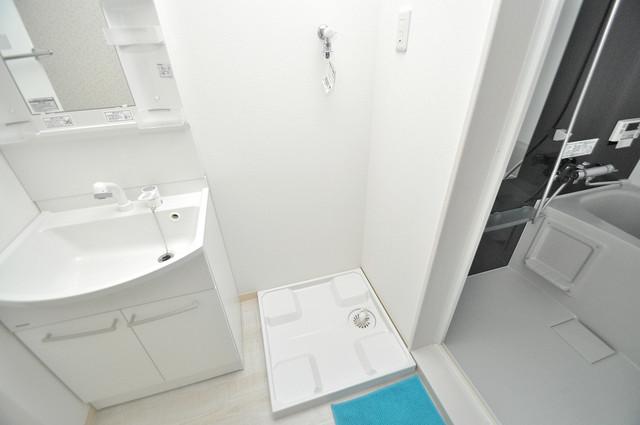 セゾンクレアスタイル新今里 室内に洗濯機置き場があれば雨の日でも安心ですね。