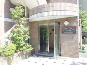 西高島平駅 徒歩31分エントランス