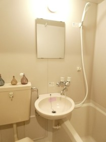 洗面台※モデルルーム仕様、小物等は設備に含まれません。