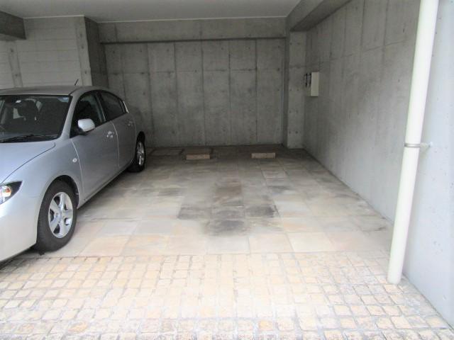 OZ-COURT駐車場