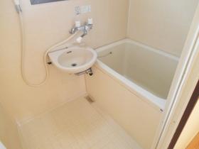 洗面付きのバスルームです!