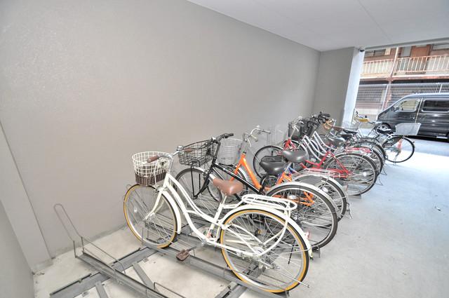 レシェンテオクノ 1階には駐輪場があります。屋内なので、雨の日も安心ですね。