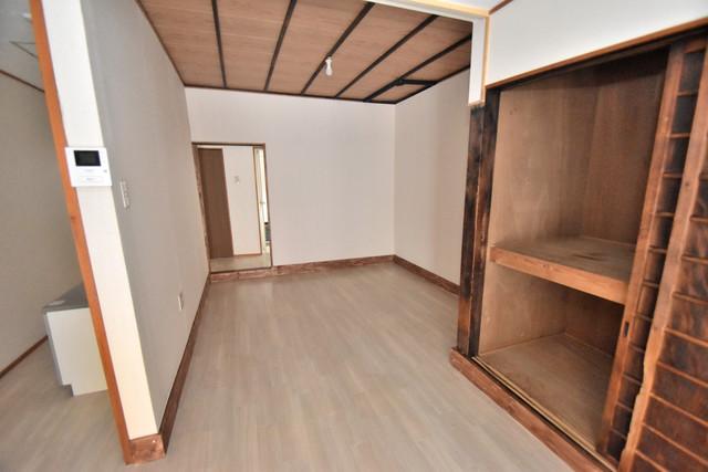 長堂2-16-8 貸家 解放感があるオシャレなお部屋です。