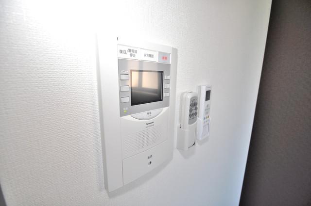 Luxe今里Ⅱ TVモニターホンは必須ですね。扉は誰か確認してから開けて下さいね