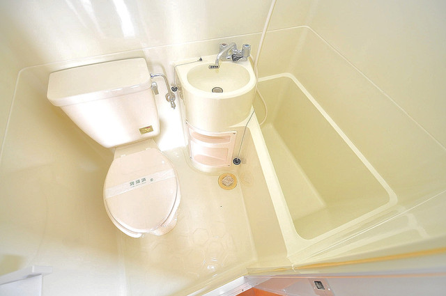 エルドムス陽光一番館 シャワー一つで水回りが掃除できて楽チンです