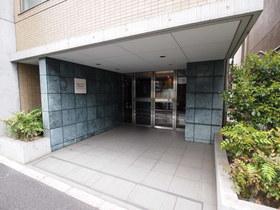 広尾駅 徒歩13分エントランス