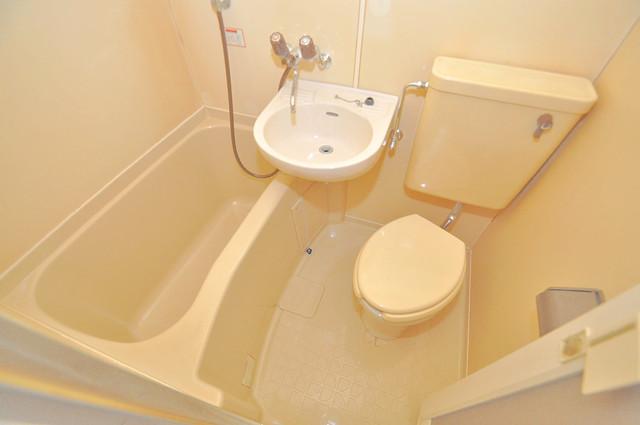 大宝菱屋西ロイヤルハイツ シャワー一つで水回りが掃除できて楽チンです