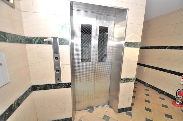 プラ・ディオ徳庵セレニテ 嬉しい事にエレベーターがあります。重い荷物を持っていても安心