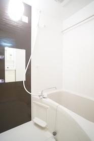 https://image.rentersnet.jp/6345118b-bf8a-4371-a44f-c1f03fc2f429_property_picture_1800_large.jpg_cap_浴室乾燥機付き