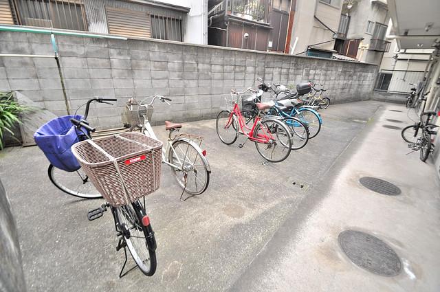 ハイツ吉祥 敷地内にある専用の駐輪場。