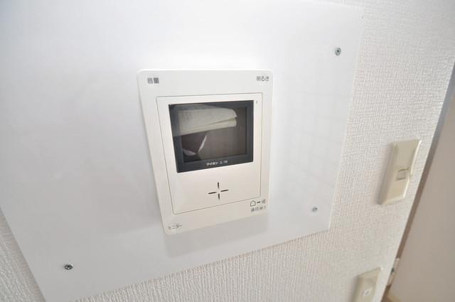 マンションサンパール TVモニターホンは必須ですね。扉は誰か確認してから開けて下さいね