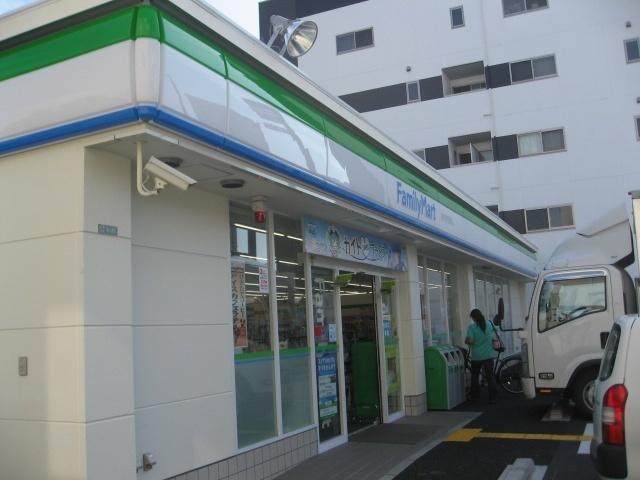 ファミリーマート島屋三丁目店