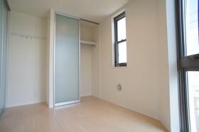 クレストハウス多摩 301号室
