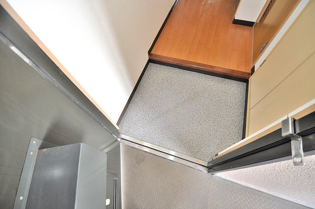 マンションRIVIERE シューズボックス完備で玄関周りがスッキリ。