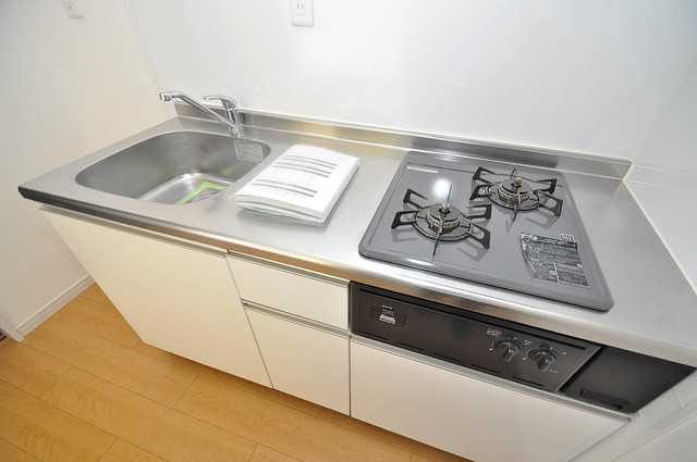 AirCity(エアシティ) 単身のお部屋には珍しい豪華なシステムキッチン完備です。