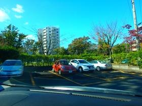 豊ヶ丘団地駐車場