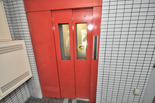 アミティ近大通り 嬉しい事にエレベーターがあります。重い荷物を持っていても安心