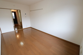 https://image.rentersnet.jp/648a3005-eec9-4419-a533-779b2fd182a8_property_picture_957_large.jpg_cap_居室
