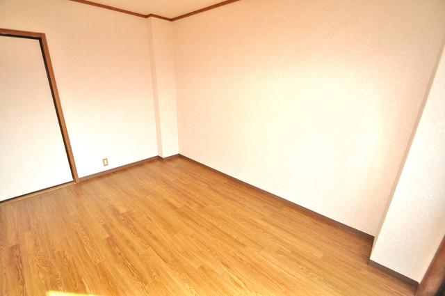 ニッコーハイツ俊徳 白を基調とした内装でおしゃれで、落ち着ける空間です。