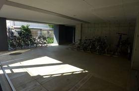 ドゥーエ新川崎駐車場