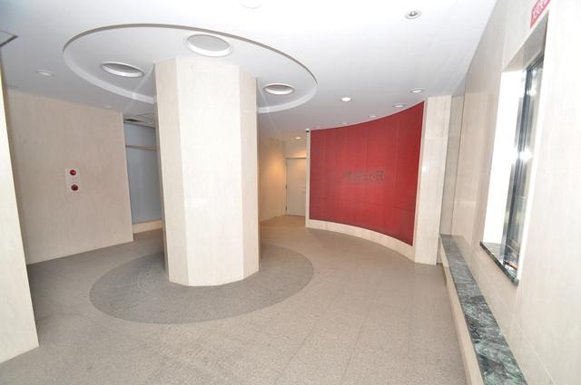 レジュールアッシュ長堀通南 エレベーターホールもオシャレで、綺麗に片づけられています。