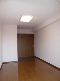 アローズトミタ 407号室