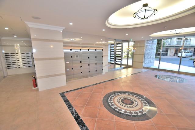 Luxe森之宮 高級感があるエントランスは安心のオートロック完備です。