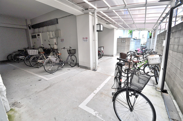 ボンボニエール 敷地内には専用の駐輪スペースもあります。