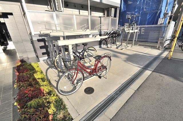 エグゼ大阪城東 敷地内には専用の駐輪スペースもあります。